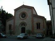 37 -Castrocaro Terme. La quattrocentesca chiesa dei Santi Nicolò e Francesco di impianto gotico si trova in via Garibaldi. Anticamente fu la chiesa del Convento Francescano e divenne Parrocchia nel 1783.