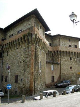69 -Terra del Sole. Dopo la Porta Fiorentina il castello del capitano delle artigliere. Sec. XVI