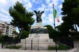 35 -Molfetta_-_Monumento_ai_Caduti_nella_villa_comunale.