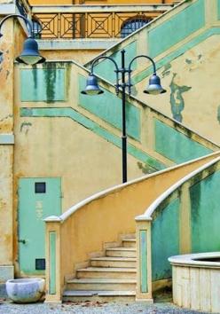 33 -Castrocaro Terme. Scalinata della fontana di Piazza Martelli
