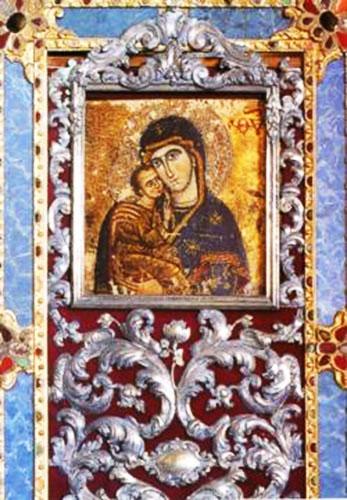 46 -Bertinoro e il Santuario della Madonna del Lago dettaglio della Madonna col Bambino, dipinta su tela aderente ad una tavola di quercia, di provenienza orientale; la stessa immagine che ancor oggi si conserva nella Chiesa.
