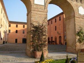 18 -Forlimpopoli. Rocca Albornoziana la corte interna.