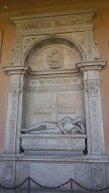32 -Forlimpopoli, chiesa di S. Ruffillo, dettaglio dei monumenti.