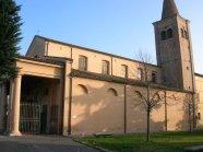 38 -Forlimpopoli, chiesa di S. Ruffillo. All'esterno della chiesa, alla base del bel campanile in stile lombardo risalente al 1521, si trova murata la testa di un leone in marmo di epoca romana.