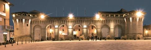 11 -Forlimpopoli. Rocca Albornoziana di sera