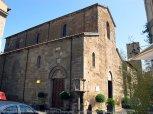 100 - -Viterbo -Chiesa di Santa Maria Nuova. Romanica del sec. XI con interno a tre navate ricco di affreschi; bel chiostro longobardo retrostante l'abside esterna