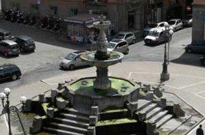 90 -Viterbo -Fontana del Vignola 1556 (P.zza della Rocca) .