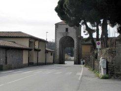 7 -Viterbo -Porta Faul . Interno della porta.