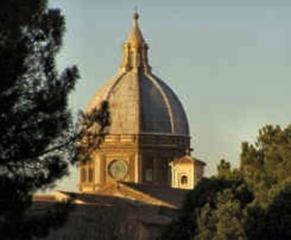 81 -Viterbo - Cupola dei primi del Novecento, all'interno in un'urna seicentesca è conservato il corpo della popolare santa viterbese (morta nel 1252 a 17 anni)