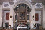 11 -Caprarola, dettaglio dell'interno della chiesa di Santa Teresa.