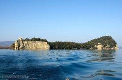 61 -Lago di Bolsena. L'isola Bisentina