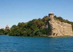 63 -Lago di Bolsena. L'isola Bisentina.