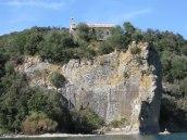 72 -Il convento Francescano del monte Calvario sull'isola Bisentina.