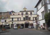 31 -Marta il municipio comunale con i classici archi sottostanti