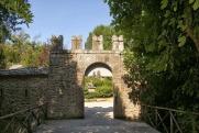 21 -Bomarzo. Entrata al Parco dei ,Mostri