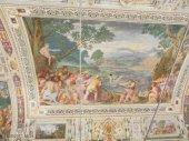 42 -Caprarola. palazzo Farnese. Qui troviamo la Sala dei Fasti di Ercole, decorata magistralmente dai Fratelli Zuccari con la raffigurazione della creazione mitologica del lago di Vico.
