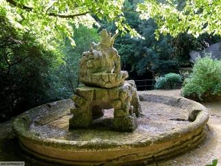 28 -Bomarzo -Parco dei Mostri. Pegaso, il cavallo alato, particolare della fontana