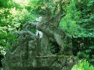 29 -Bomarzo -Parco dei Mostri. Pegaso, il cavallo alato, particolare del cavallo.