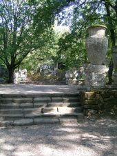 55 -Bomarzo. Parco dei Mostri, piazza dei Vasi