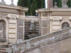 28 -Caprarola. palazzo Farnese, particolare.