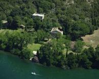 16 -Lago di Bolsena. Isola di Martana vista aerea, dettaglio