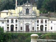 9 -Caprarola- Chiesa e Convento di S. Teresa particolare ravvicinato.
