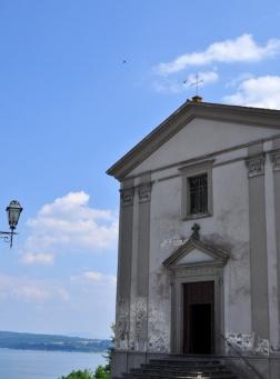 85 -Capodimonte. Chiesa di Santa Maria Assunta facciata.