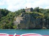 71- Lago di Bolsena. Il convento Francescano del monte Calvario sull'isola Bisentina.
