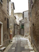 72 -Mugnano in Teverina. Una via del borgo