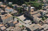 20 -Bolsena dall'alto con veduta della Basilica di Santa Cristina