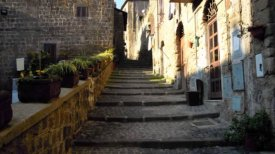 18 -Ronciglione, scalinata