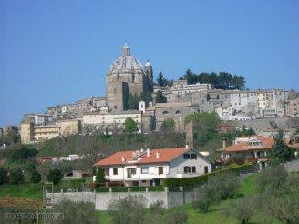 4 -Montefiascone, panorama della Cattedrale di Santa Margherita XV sec.