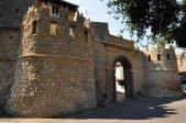 7 -Valentano. rocca Farnese. Porta S. Martino