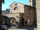 26 -Ronciglione. Chiesa di Santa Maria della Provvidenza, costruita sul ciglio di un burrone ai margini del borgo medioevale nell'XI secolo,