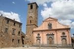 14 -Civita di Bagnoregio - La chiesa di San Donato è un edificio di culto a Civita di Bagnoregio, frazione del comune di Bagnoregio, nel Lazio, si trova di fronte all'antico palazzo comunale Civita, in Piazza San Donato, storicamente il centro dell'impianto urbanistico del borgo.