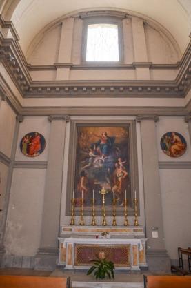 13 -Valentano. Collegiata di San Giovanni Evangelista. cappella con dipinto dell' assunta con San Cristoforo e San Giovanni Battista