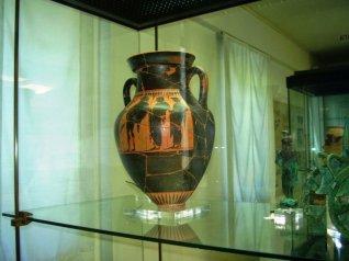 12 -Crotone. Alcuni reperti custoditi all'interno del Museo Archeologico Nazionale