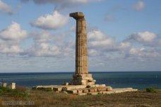 15 -Crotone, colonna del tempio di Hera Lacinia.