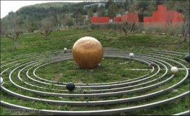 24 -Al filosofo sono stati dedicati un Museo e un Giardino - Giardino di Pitagora la città della scienza e della conoscenza