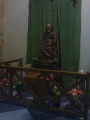 31 -Statua di Padre Pio nel Duomo di Crotone