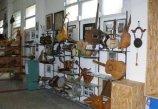 30 -Reggio Calabria. Il Museo dello Strumento Musicale a Reggio Calabria è un'istituzione che acquisisce, conserva, studia, valorizza ed espone strumenti musicali provenienti da ogni parte del mondo. Vi sono esposti circa 800 strumenti catalogati secondo le cinque famiglie di idiofoni, membranofoni, aerofoni, cordofoni e meccanico-elettrici.