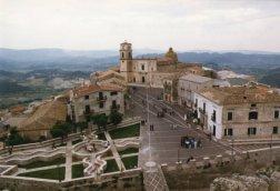7 -Santa Severina. Piazza Campo, dal Castello