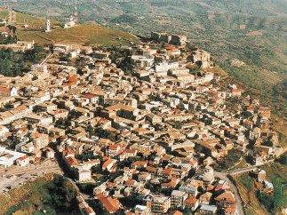 1 -Vibo Valentia, panorama del centro storico.