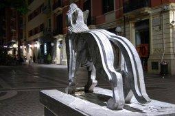 8 -Cosenza. Il Lupo della Sila, opera di Mimmo Rotella, Museo Bilotti.