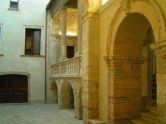 45 -Palazzo Caselli Vaccaro, sede della Scuola di alta specializzazione universitaria.