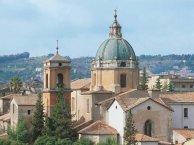 63 -Cosenza. Vista ravvicinata della Chiesa San-Domenico