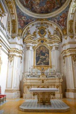 66 -Cosenza. Altare Chiesa San Domenico