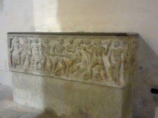 67 - Chiesa S. Domenico Cosenza. Sarcofago_Enrico_VII