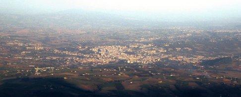 1 -Panorama di Benevento dal Monte Pentime, nella catena montuosa del Taburno Camposauro