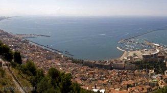 12 -Salerno- veduta della città dal Castello di Arechi, un castello come già accennato di origine medievale, sorge sulle ceneri di un castrum romano ed è situato sul monte Bonadies.